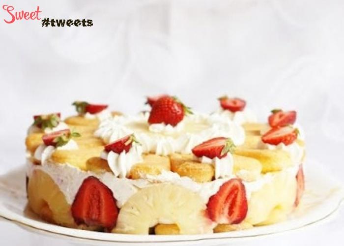 Картинки по запросу Торт из печенья с ананасом и клубникой (без выпечки)